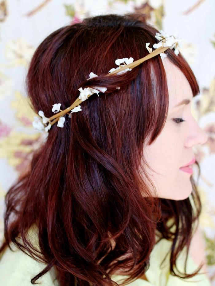 DIY diadème mariage avec des branches fleuries