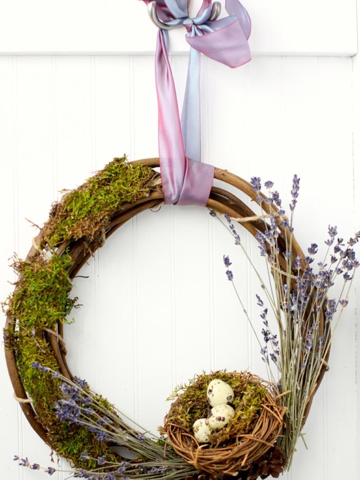 activité manuelle printemps couronne avec mousse végétale