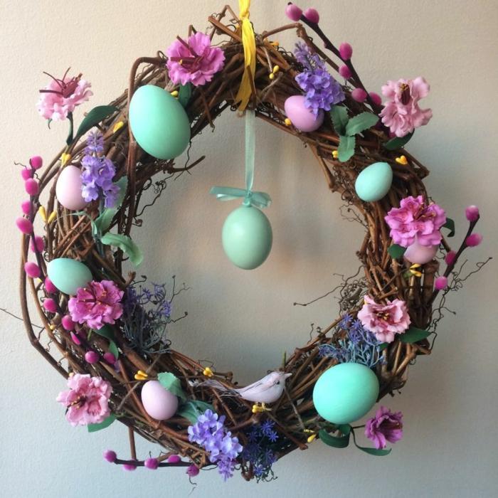 activité manuelle printemps déco porte pour pâques