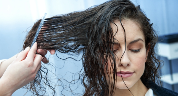 améliorer solidité cheveux nourrir régulièrement