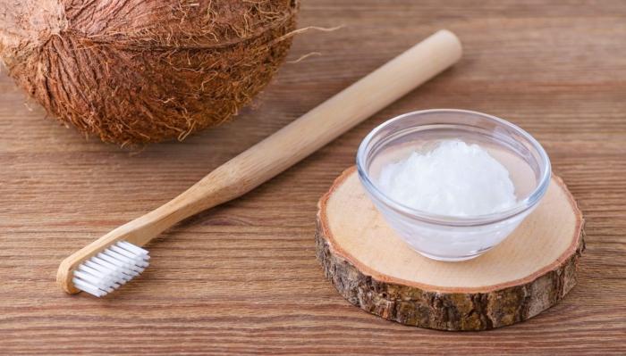 beurre de coco pour blanchir les dents naturellement