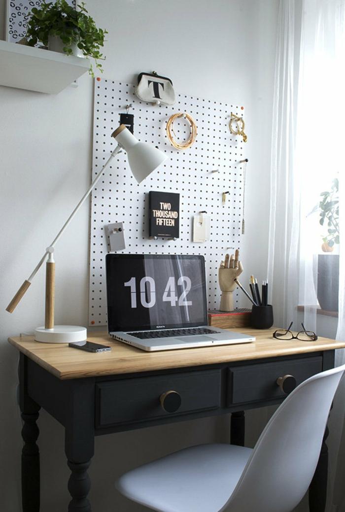 coin bureau idée avec un pegboard en métal