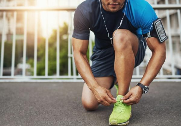 comment choisir ses chaussures de sport homme pour s'entraîner efficacement
