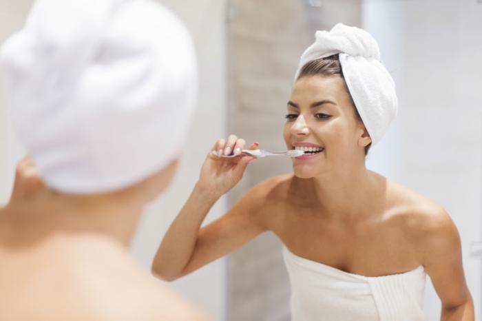 conseils comment blanchir les dents naturellement