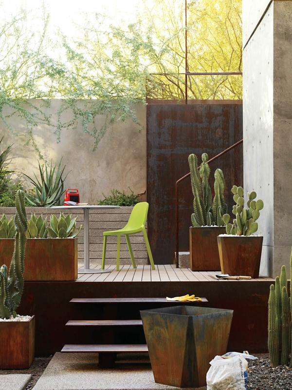 contenants de cactus idée déco jardin métal rouillé