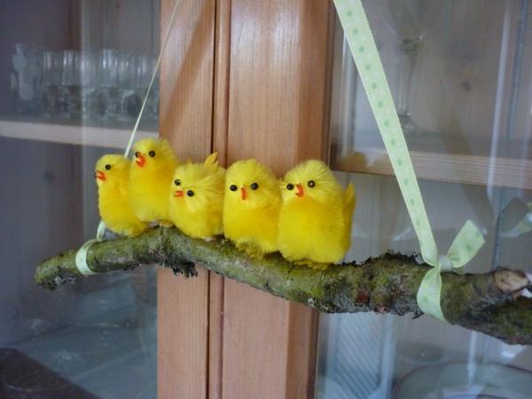 déco fenêtre pour pâques diy poussins
