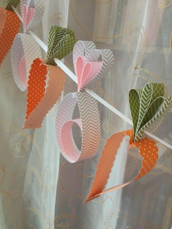 déco fenêtre pour pâques guirlande en carton coloré