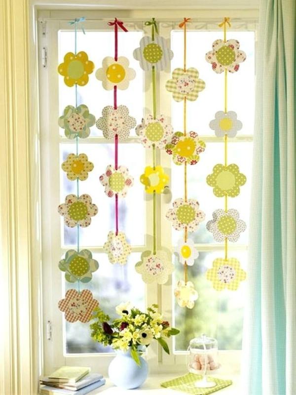 déco fenêtre pour pâques guirlande fleurs en papier