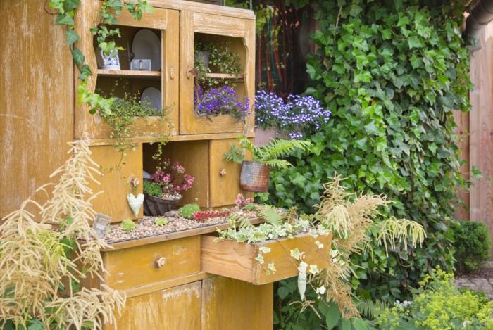 déco jardin récup avec commode