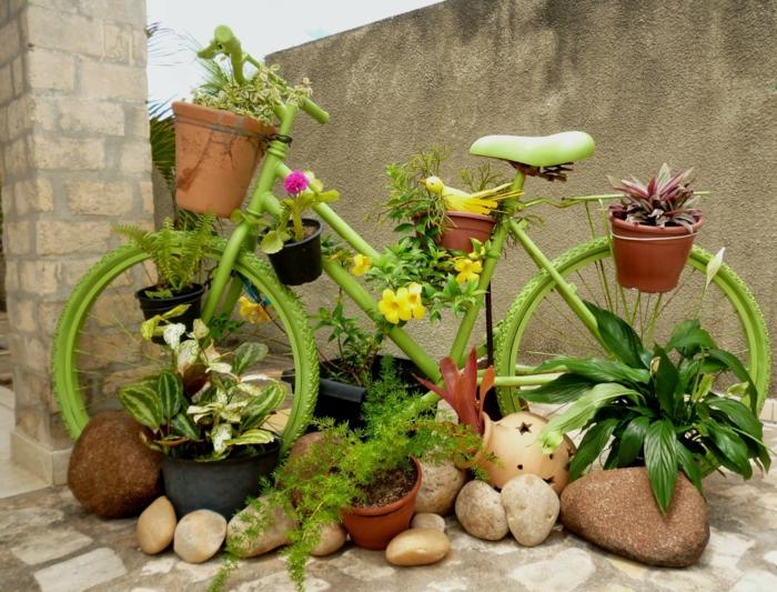 déco jardin récup avec un vélo