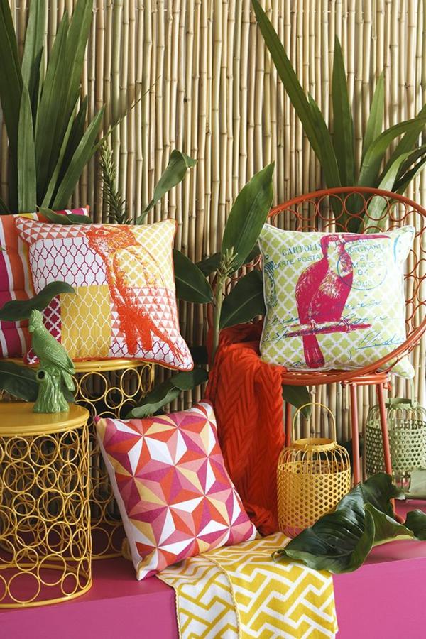 déco jungle coussins couleurs vives