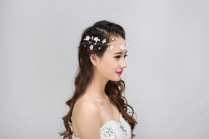 diy diadème mariage fil argenté fleurs décoratives perles en verre