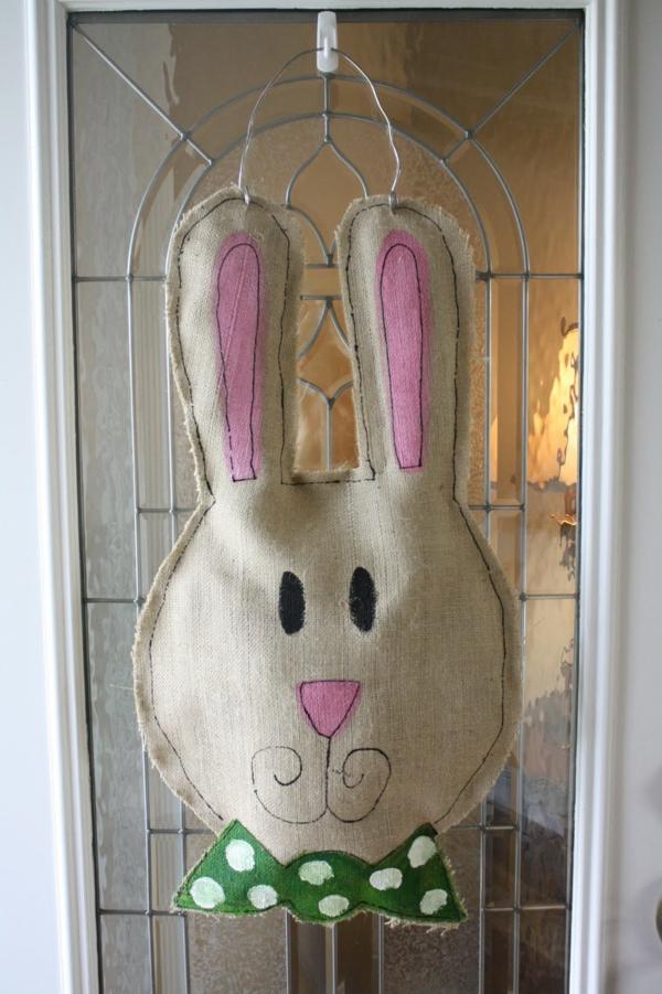 diy lapin de pâques toile de jute déco de porte