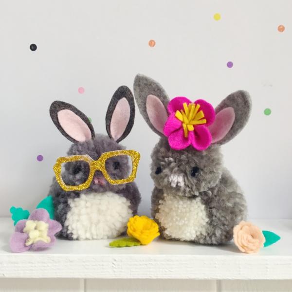 idée activité manuelle pâques diy lapins en pompons