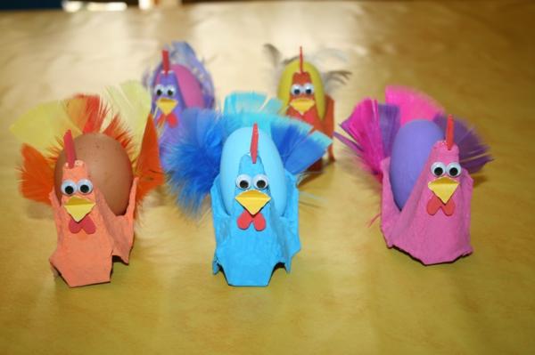 idée activité manuelle pâques diy poules en boîte à oeufs