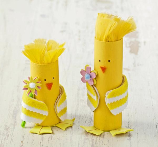 idée activité manuelle pâques diy poussins jaunes en rouleau papier toilette