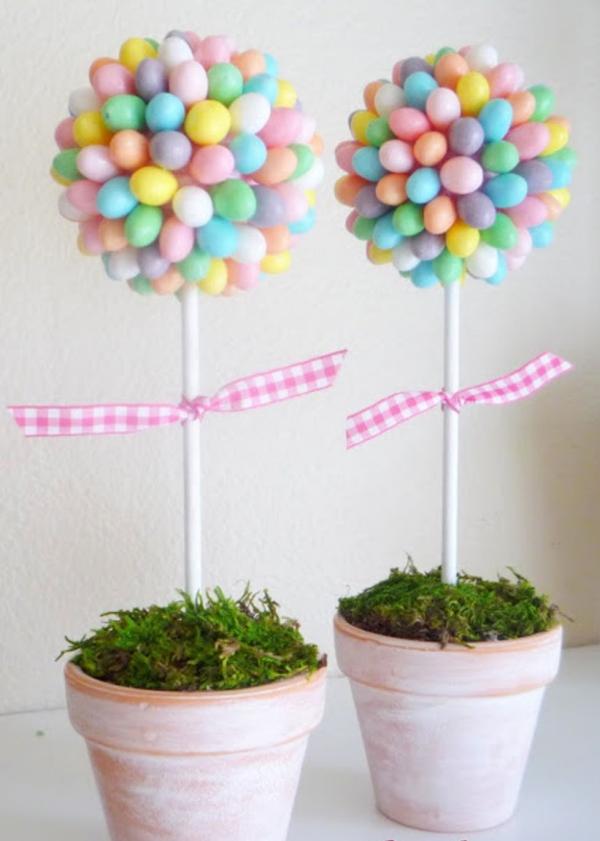 idée déco balcon pour Pâques fleurs artificielles