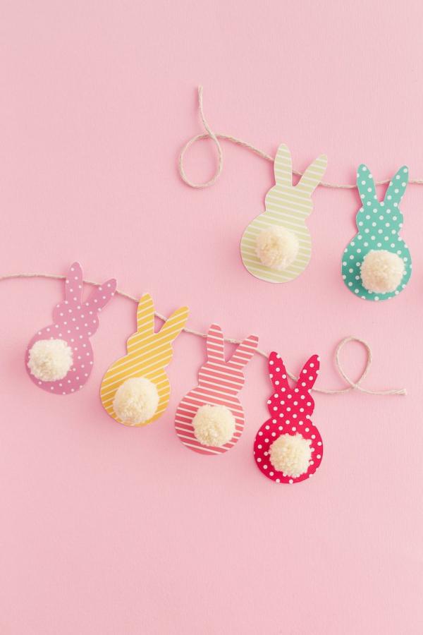 idée déco balcon pour Pâques jolis lapins