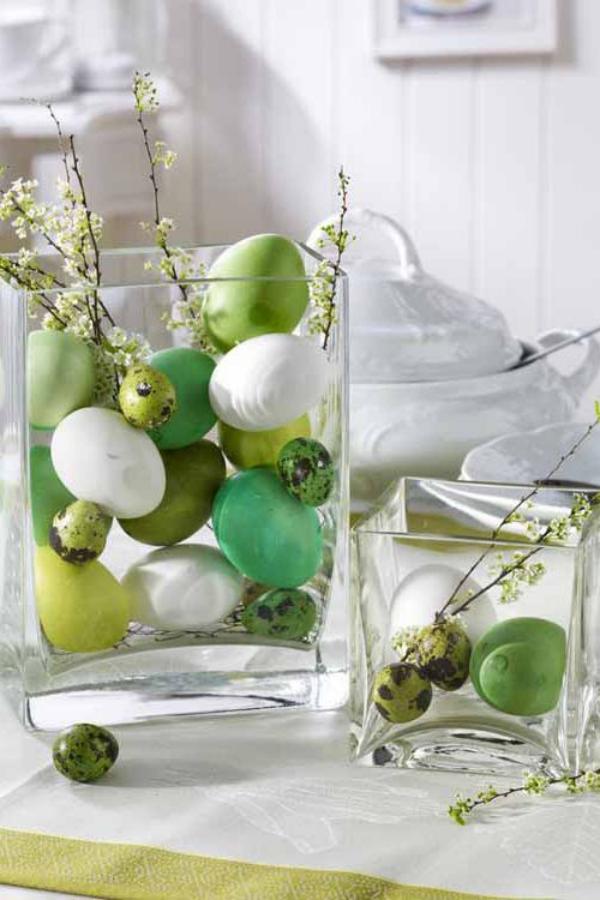 idée déco balcon pour Pâques récipients en verre
