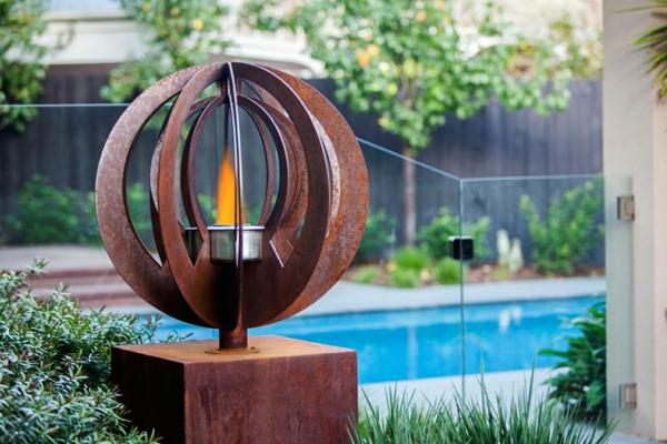 idée déco jardin métal rouillé éclairage jardin moderne