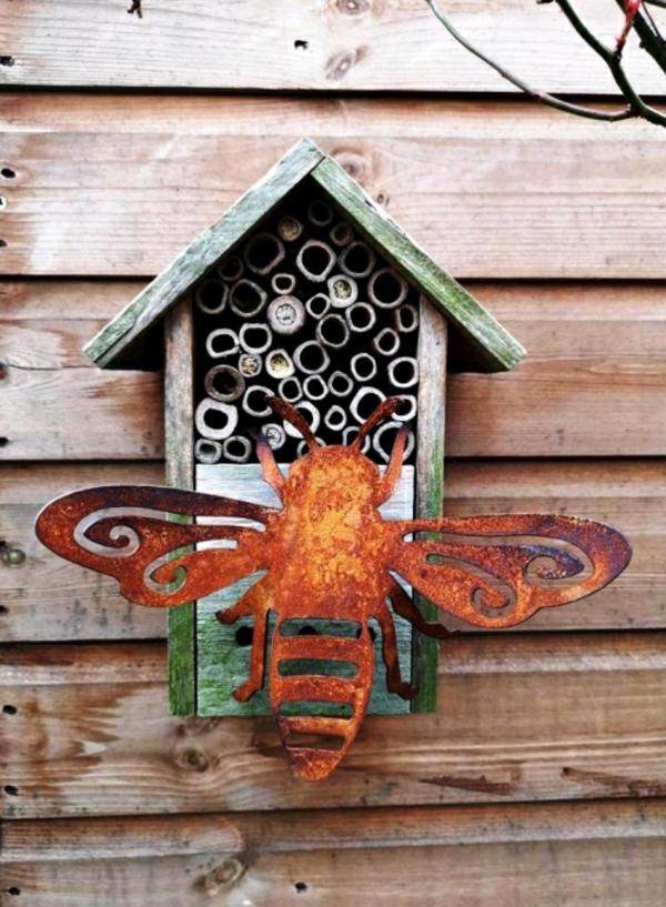 idée déco jardin métal rouillé abri à insectes