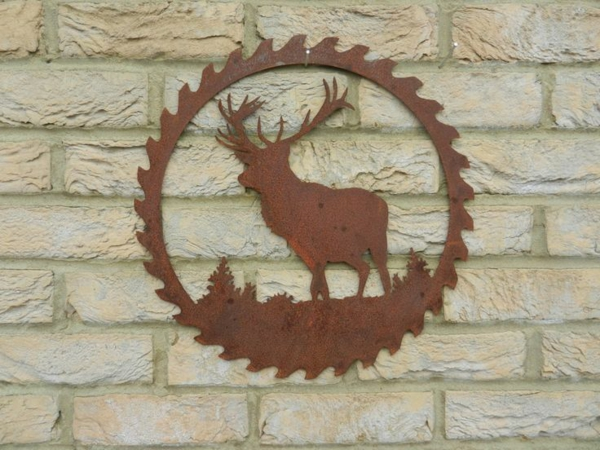 idée déco jardin métal rouillé cerf mur