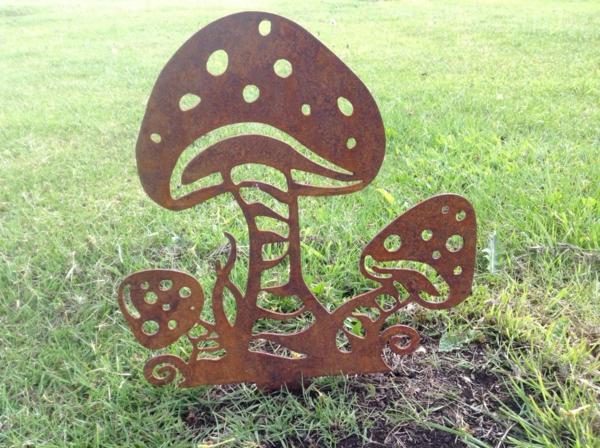 idée déco jardin métal rouillé champignons