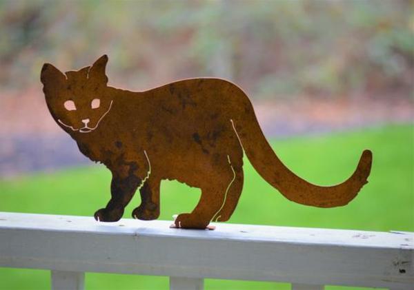 idée déco jardin métal rouillé chat garde-corps terrasse