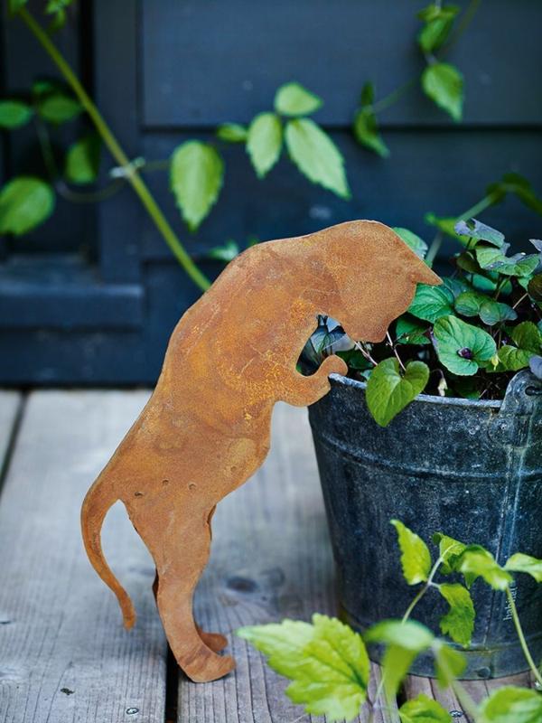 idée déco jardin métal rouillé chat