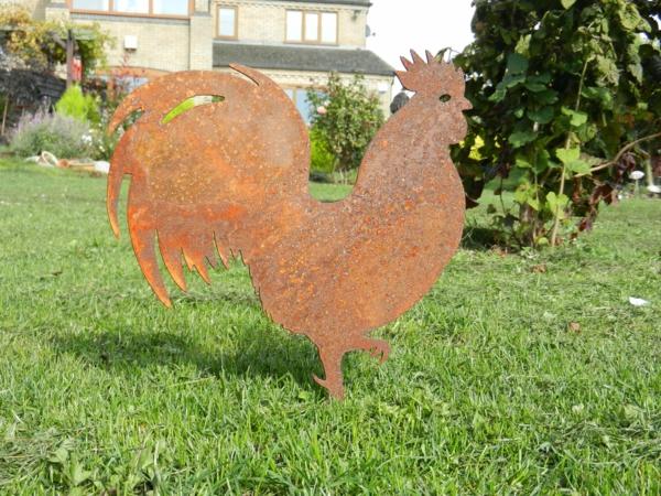 idée déco jardin métal rouillé coq
