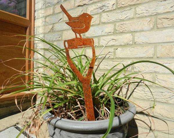 idée déco jardin métal rouillé déco de pot