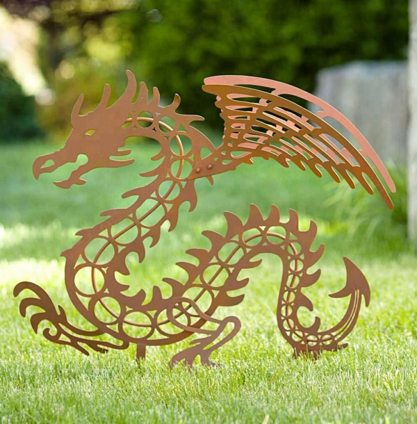 idée déco jardin métal rouillé dragon