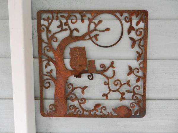idée déco jardin métal rouillé mur