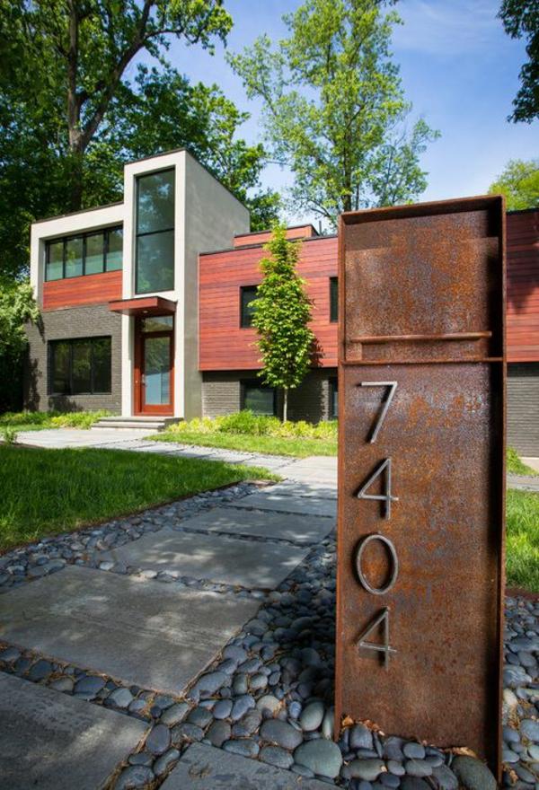 idée déco jardin métal rouillé panneau de numéro de maison