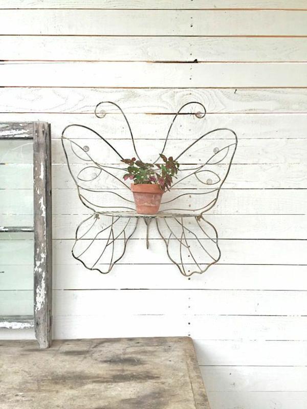 idée déco jardin métal rouillé papillon en fil métallique