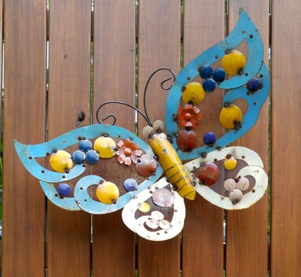 idée déco jardin métal rouillé papillon palissade
