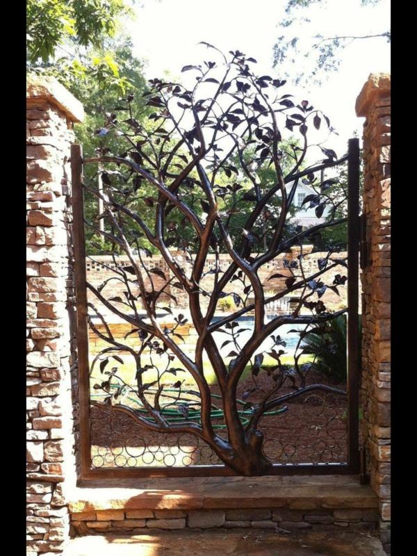 idée déco jardin métal rouillé porte de jardin