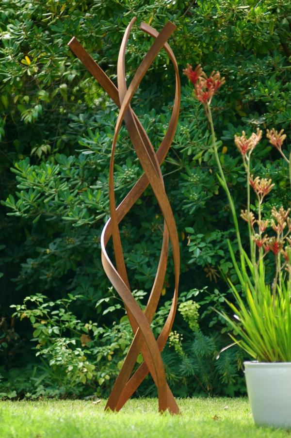 idée déco jardin métal rouillé sculpture