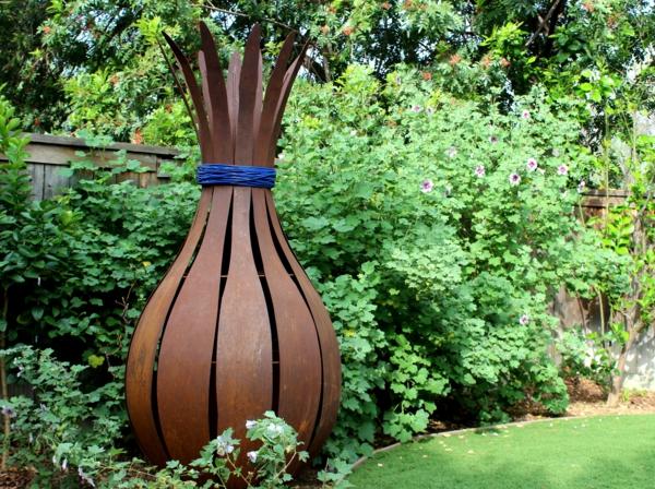 idée déco jardin métal rouillé sculpture vase géant