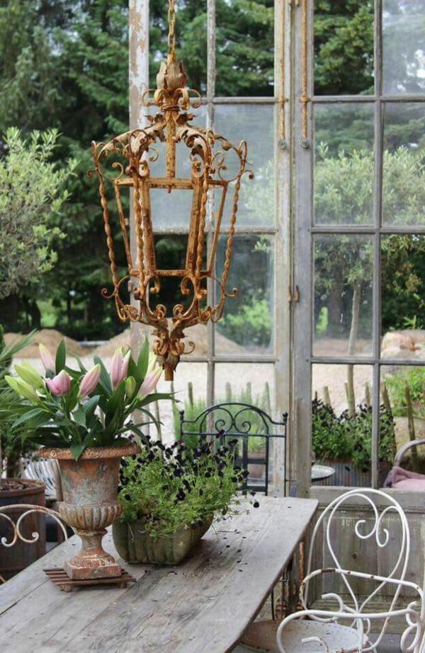 idée déco jardin métal rouillé suspension terrasse