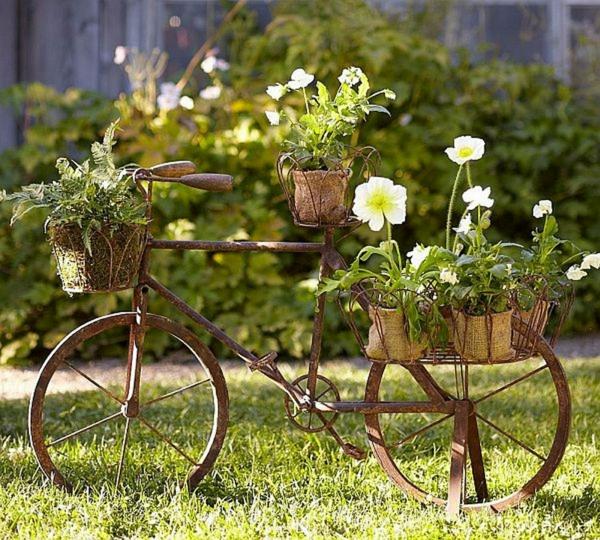 idée déco jardin métal rouillé vélo