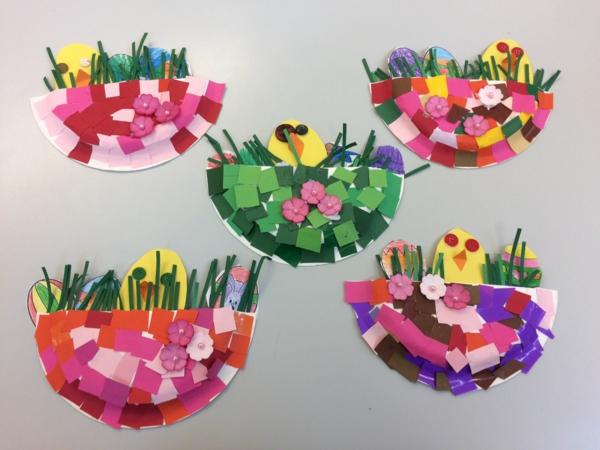 idée de bricolage pâques maternelle paniers de pâques papier coloré