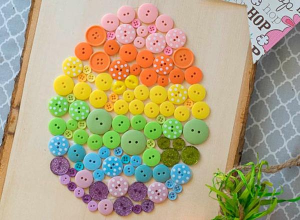 idée de bricolage pâques maternelle tableau boutons colorés