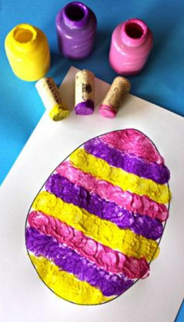 idée de bricolage pâques maternelle tampon encreur bouchon en liège