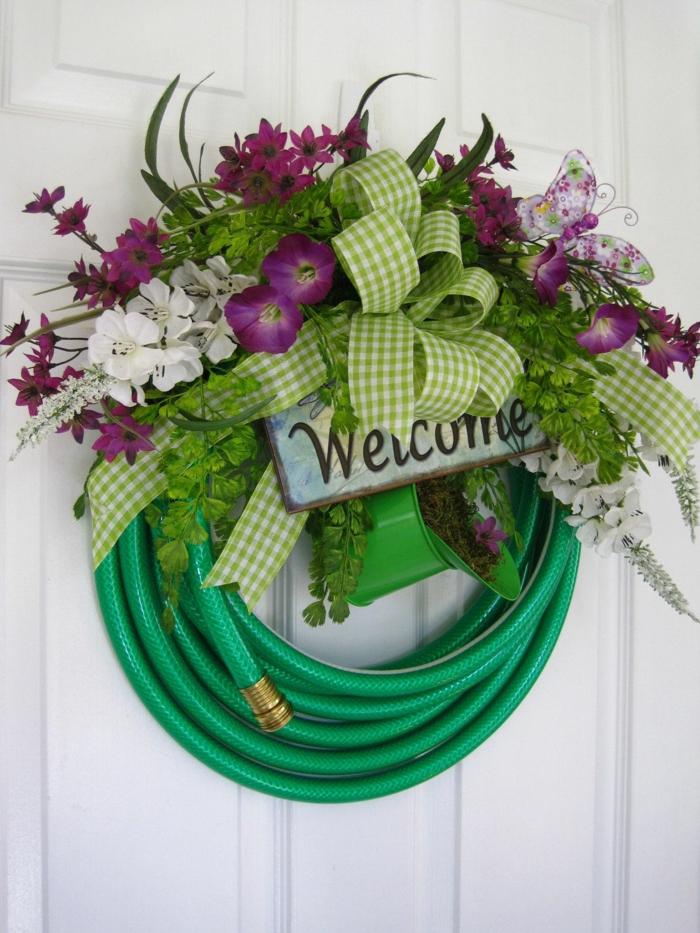 idée originale activité manuelle printemps pour la porte d'entrée