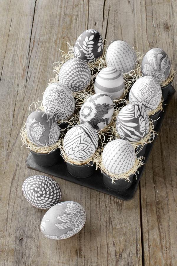 idées bricolage de Pâques maternelle dessins exquis sur les oeufs