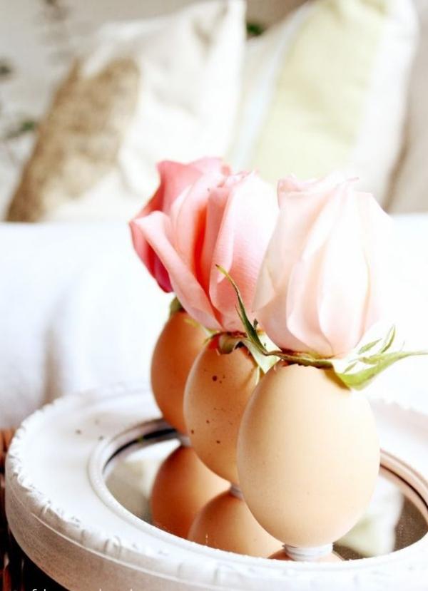 idées bricolage de Pâques maternelleoeufs en guise de vases