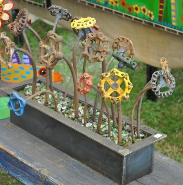 jardinière idée déco jardin métal rouillé