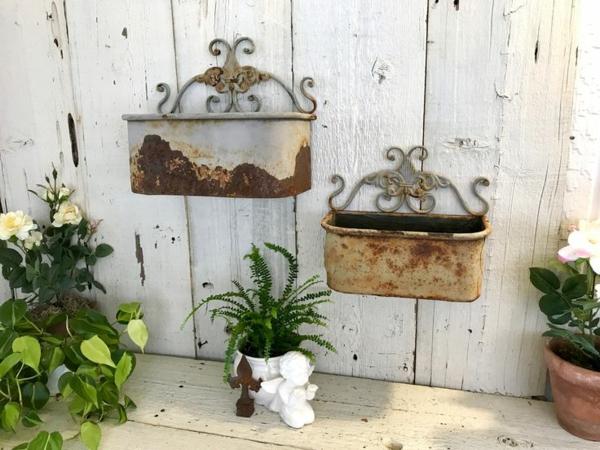jardinières de plantes idée déco jardin métal rouillé