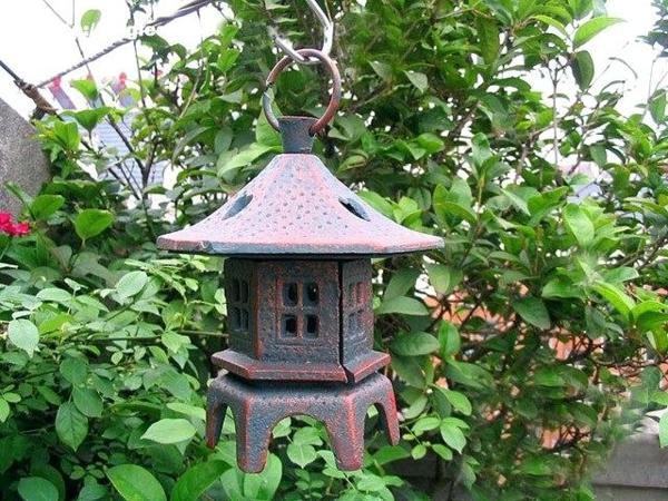 lanterne rétro idée déco jardin métal rouillé